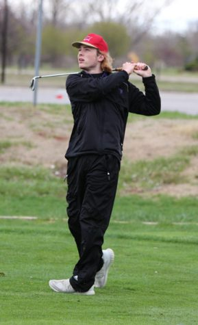 Boys' Golf Places Sixth at Home Invite