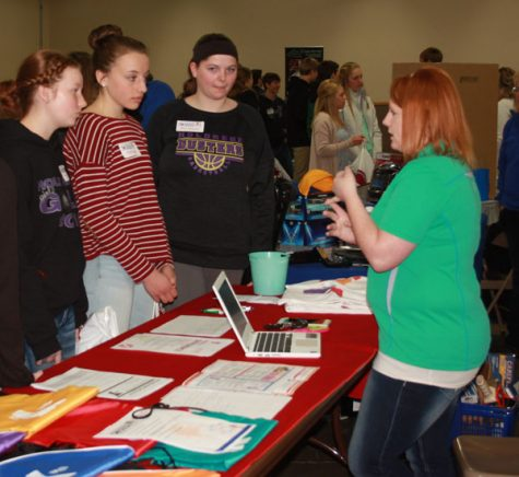 Sophomores Attend Career Fair at Ag Center