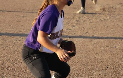 Duster Softball Splits Two Games at Southern Valley Triangular