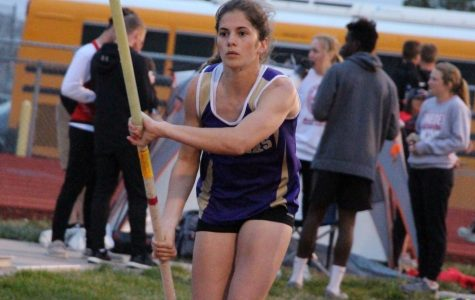Girls' Track Team Competes at Broken Bow and Gothenburg